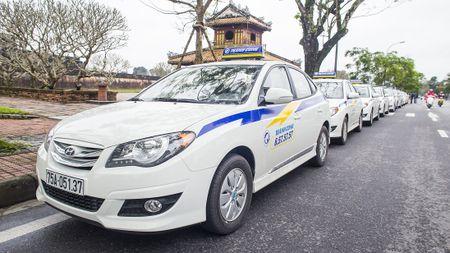 Thanh Cong taxi bat dau giam gia cuoc van tai - Anh 1