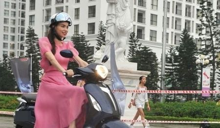 Hang loat nhan hang bi 'va lay' vi Ho Ngoc Ha lam dai su thuong hieu - Anh 3