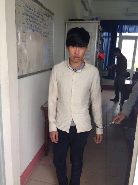 Quang Nam: Bat doi tuong tao ton trom vang cua chinh co giao cu - Anh 1