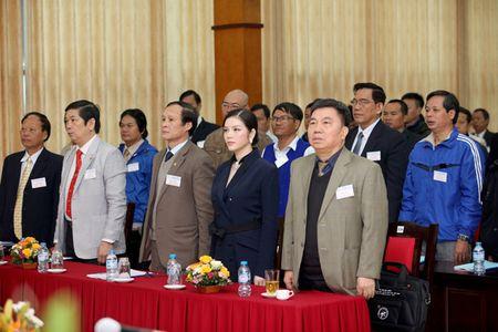 Ly Nha Ky nhan chuc Pho chu tich Lien doan xe dap - mo to Viet Nam khoa VI - Anh 3