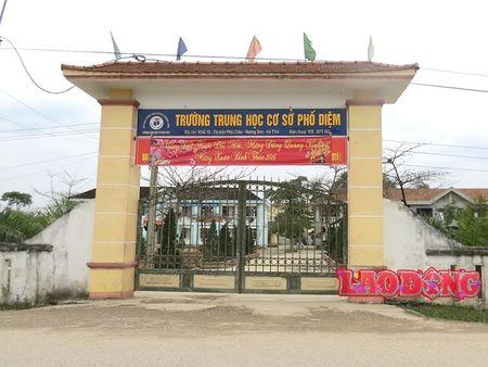 Ha Tinh: Hoc sinh bi danh chan thuong so nao con bi giam dap khap nguoi - Anh 1