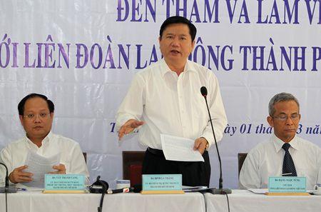 Bi thu Thanh uy TPHCM Dinh La Thang: 'Phai tap trung nang cao chat luong can bo cong doan de bao ve quyen loi nguoi lao dong' - Anh 1