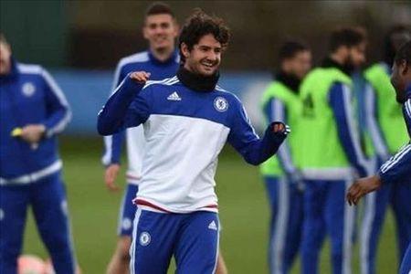 Pato chuan bi co man ra mat chinh thuc Chelsea - Anh 1
