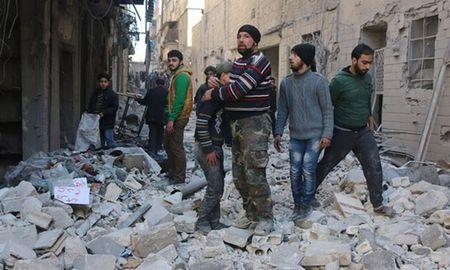 LHQ day nhanh vien tro cho 1,7 trieu nguoi Syria - Anh 1