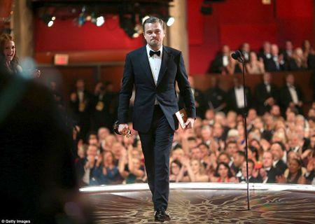Leonardo DiCaprio tiec tung mung chien thang Oscar - Anh 1