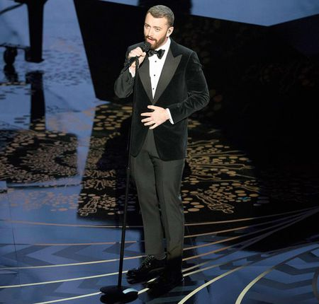 Sam Smith xin loi vi phat ngon nham lan o Oscar - Anh 1