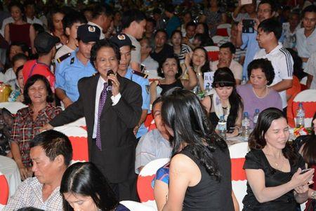 Che Linh di tim tinh yeu trong tour dien tai mien Nam - Anh 1