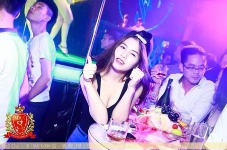 Chan dung vo hotgirl cua Viet Anh 'chay an' - Anh 4