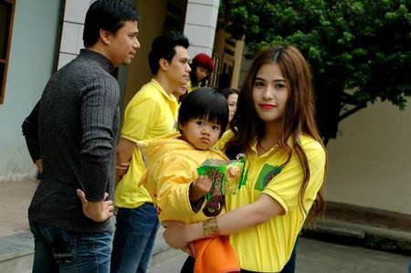 Chan dung vo hotgirl cua Viet Anh 'chay an' - Anh 6
