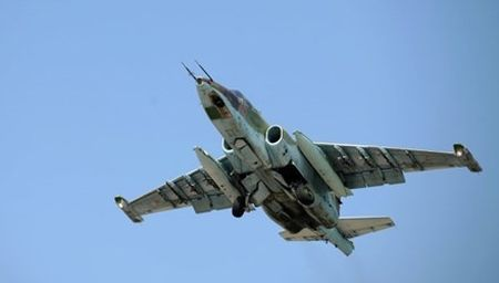 May bay chien dau Su-25 Nga roi, phi cong tu nan - Anh 1