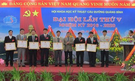 Ra mat Ban chap hanh Hoi KHKT Cau duong Quang Binh nhiem ky moi - Anh 2