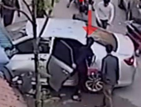 Video: Nghi van lai xe Camry dam chet 3 nguoi la nu - Anh 1