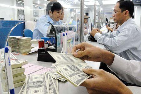 "Dua hut von USD: Ngan hang ""di dem"" lai suat - Anh 1"