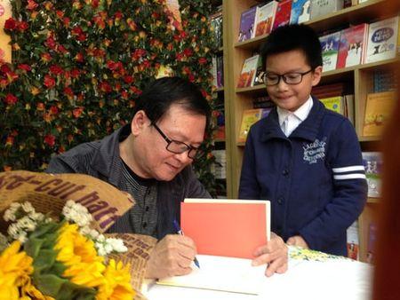 Nguyen Nhat Anh: Song duoc bang nghe van la hanh phuc rat lon - Anh 1