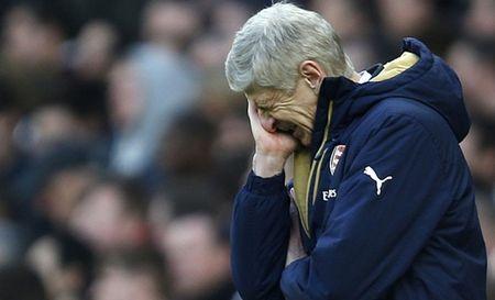 Neu Arsenal khong vo dich Premier League mua nay, Wenger nen rut lui? - Anh 1
