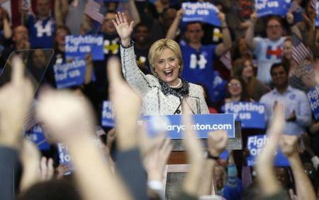 Cu tri da mau quyet dinh thang loi cua ba Clinton o South Carolina - Anh 1