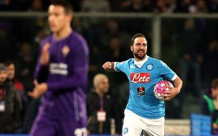Higuain ghi ban, Napoli van say chan truoc Fiorentina - Anh 1