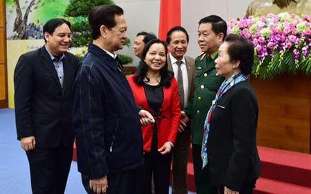 Thu tuong: Tang cuong khen thuong dot xuat nhung tam guong doi thuong - Anh 3