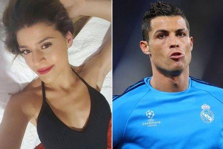 Ronaldo cap ke nguoi dep Maroc truoc khi chia tay Irina Shayk? - Anh 10