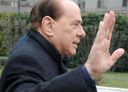 Con dot quy nguy hiem de doa tinh mang ong Silvio Berlusconi - Anh 1