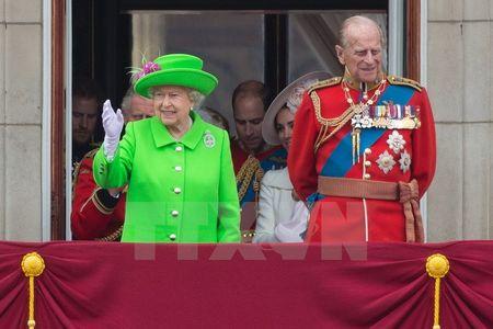Nu hoang Elizabeth II rang ro trong le mung sinh nhat lan thu 90 - Anh 4