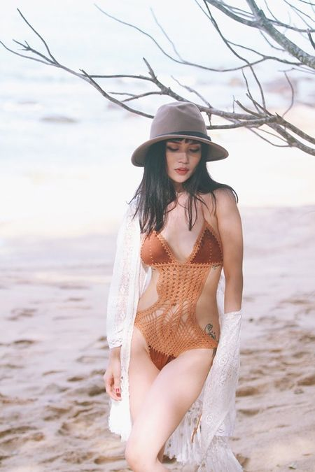 Si Thanh khoe than hinh vo cung goi cam voi bikini - Anh 8