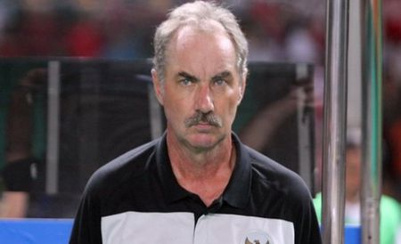 DT Viet Nam gap lai thay cu Alfred Riedl tai AFF CUP 2016 - Anh 1