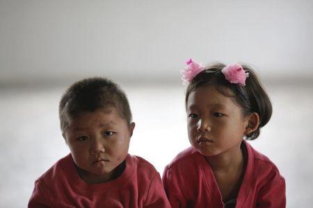Nhung guong mat hon nhien cua tre em Trieu Tien - Anh 6