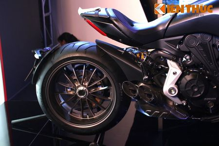 Can canh moto dep nhat The gioi Ducati XDiavel tai Ha Noi - Anh 10