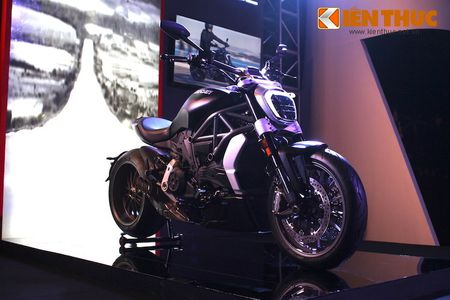 Can canh moto dep nhat The gioi Ducati XDiavel tai Ha Noi - Anh 2