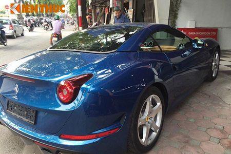 Chi tiet sieu xe Ferrari California T hon 15 ty tai Ha Noi - Anh 3