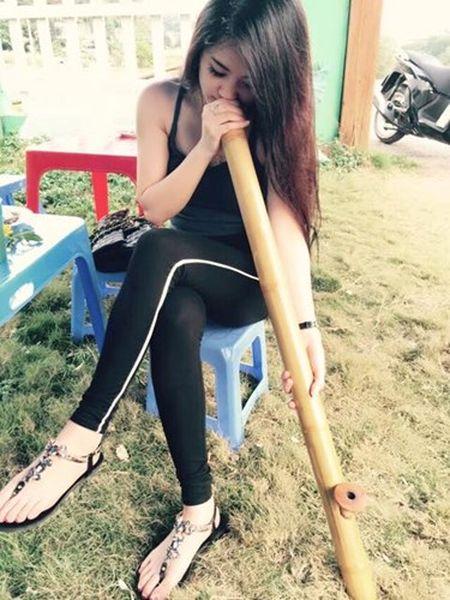 Hot girl ban tra da di xe hop o Thai Nguyen gay sot - Anh 4