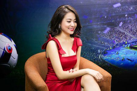 Hoang Thuy Linh quyen ru kho roi mat, lam khach moi binh luan Euro - Anh 3
