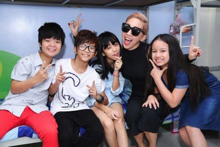 Truc tiep liveshow 2 Vietnam Idol Kids 2016: Toc Tien bi bat nat - Anh 4