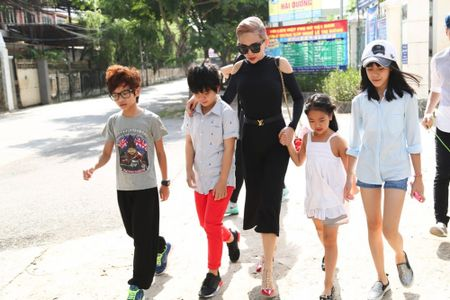 Truc tiep liveshow 2 Vietnam Idol Kids 2016: Toc Tien bi bat nat - Anh 5