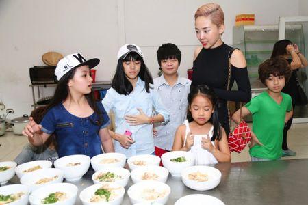 Truc tiep liveshow 2 Vietnam Idol Kids 2016: Toc Tien bi bat nat - Anh 6