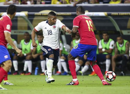 Copa America: Thua tham Costa Rica, Colombia mat ngoi dau bang - Anh 2