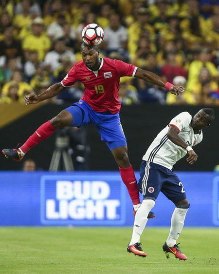 Copa America: Thua tham Costa Rica, Colombia mat ngoi dau bang - Anh 3