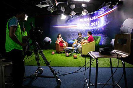 Hoang Thuy Linh goi cam, mot ngay chay show 4 su kien - Anh 4