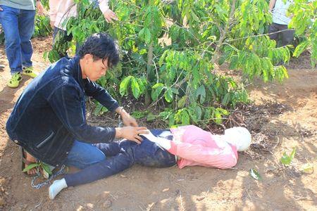 Khen thuong Ban chuyen an bat hung thu sat hai be gai 13 tuoi - Anh 2