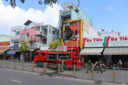 Cong bo nguyen nhan vu chay lam 4 nguoi thiet mang o cua hang bep dien tu - Anh 1