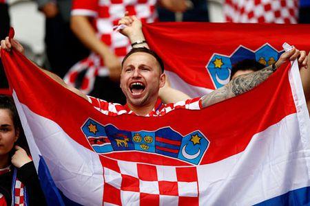 TRUC TIEP EURO: Duyen no Tho Nhi Ky - Croatia - Anh 4