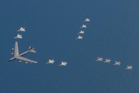 Khong quan NATO thi uy suc manh gan bien gioi Nga - Anh 6