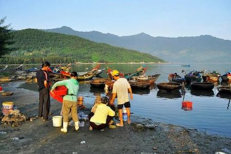 Canh dep dam Lap An lam say long du khach - Anh 2