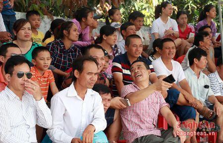 Huy Hoang, Hong Son cung tham gia tuyen chon cau thu nhi tai Nghe An - Anh 11