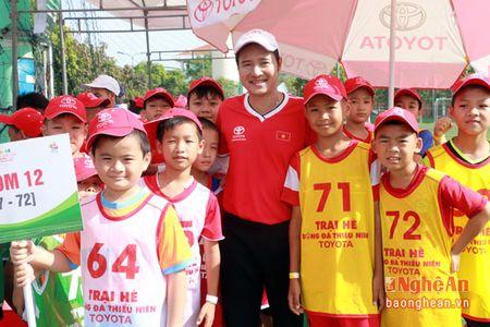 Huy Hoang, Hong Son cung tham gia tuyen chon cau thu nhi tai Nghe An - Anh 12