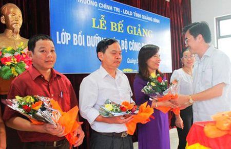 Quang Binh: Tap huan nghiep vu can bo cong doan - Anh 2