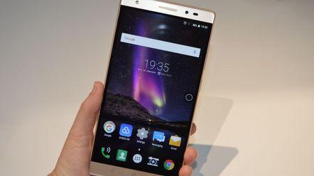 Lenovo trinh lang smartphone dau tien cua du an Google Tango - Anh 1