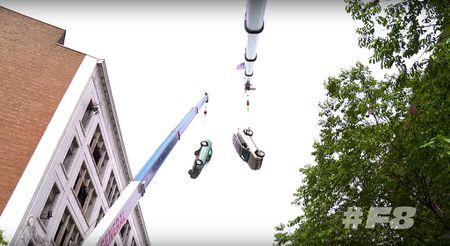 Choang voi 'con mua' sieu xe trong 'Fast & Furious 8' - Anh 1