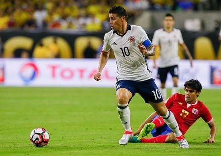 Cat het doi hinh chinh, thay cu Messi khien Colombia linh du - Anh 2